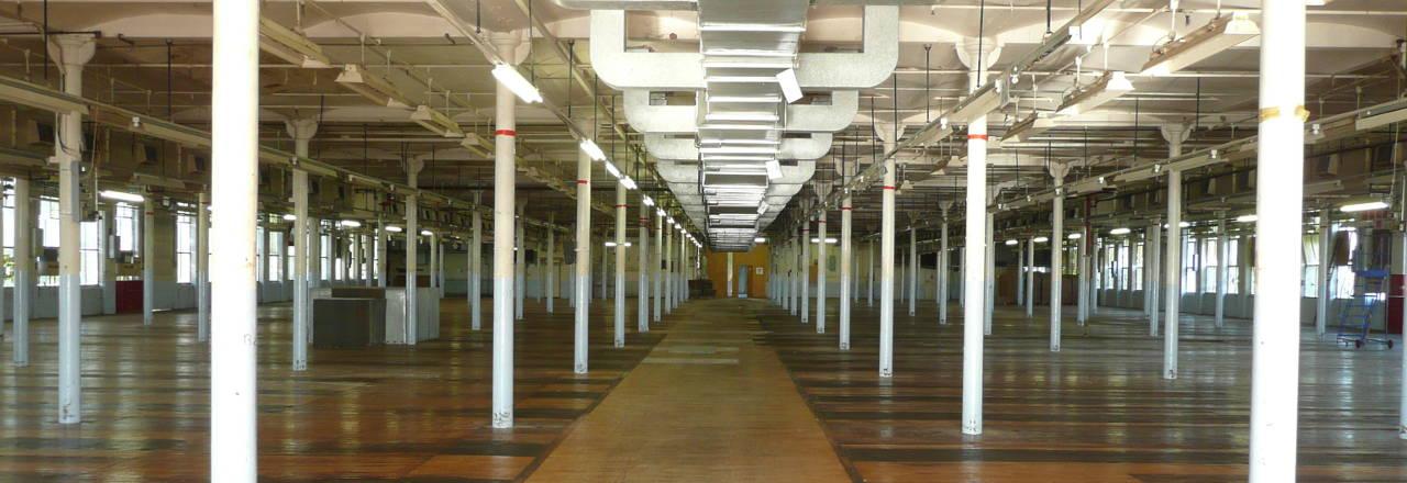 slide-warehouse-space
